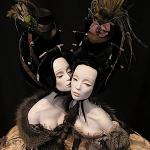 Le algide bambole delle sorelle Popova