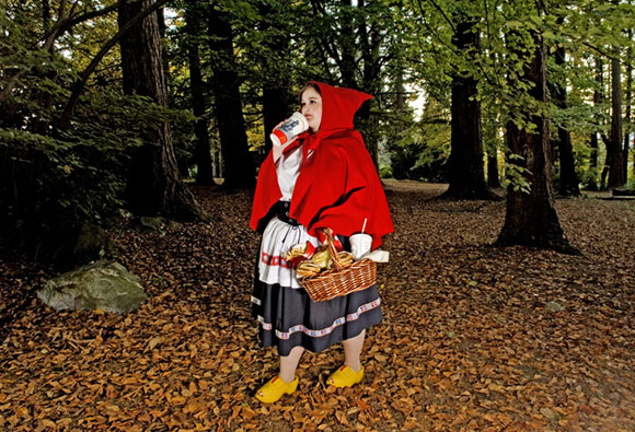 Dina Goldstein - Principesse - Princess - Disney - Little Red Riding Hood - Cappuccetto Rosso