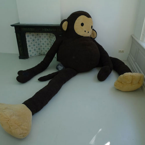 Florentijn Hofman - Dushi - Plush - Peluche - monkey - scimmia