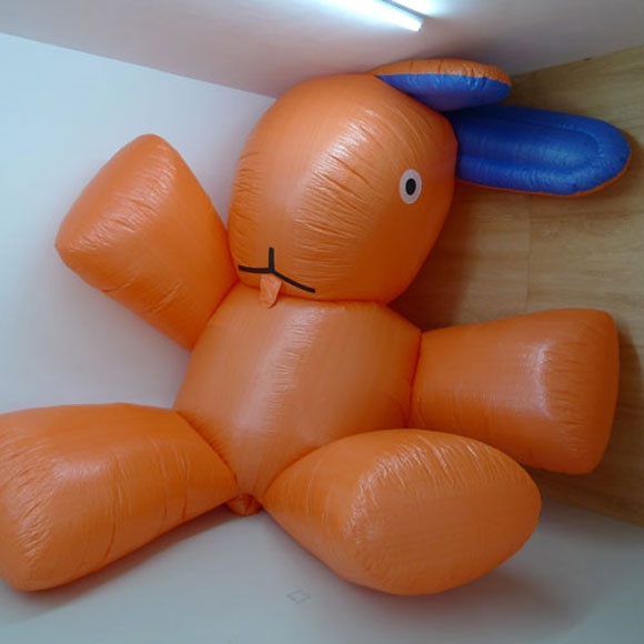 Florentijn Hofman - Dushi - Plush - Peluche - bunny - coniglio