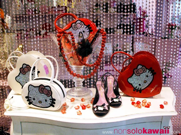 hello kitty - sanrio - strass - bags - red - rosso - bianco - white - heart - cuore