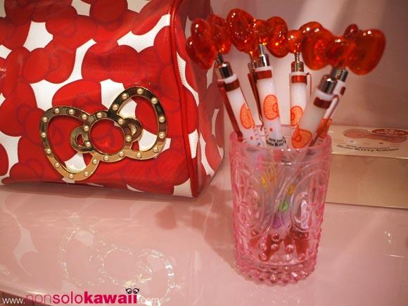 kawaii - cute - 35th Anniversary - Hello Kitty Colors - Limited Edition - red - ribbon - bag - borsa - pen - penna