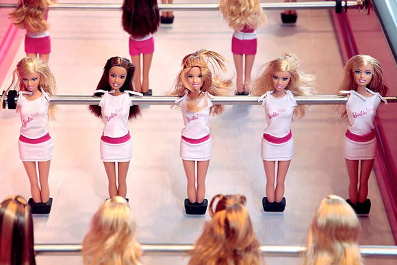 Barbie 50th anniversary - Chloé Ruchon for Bonzini - pink table football Barbie Foot