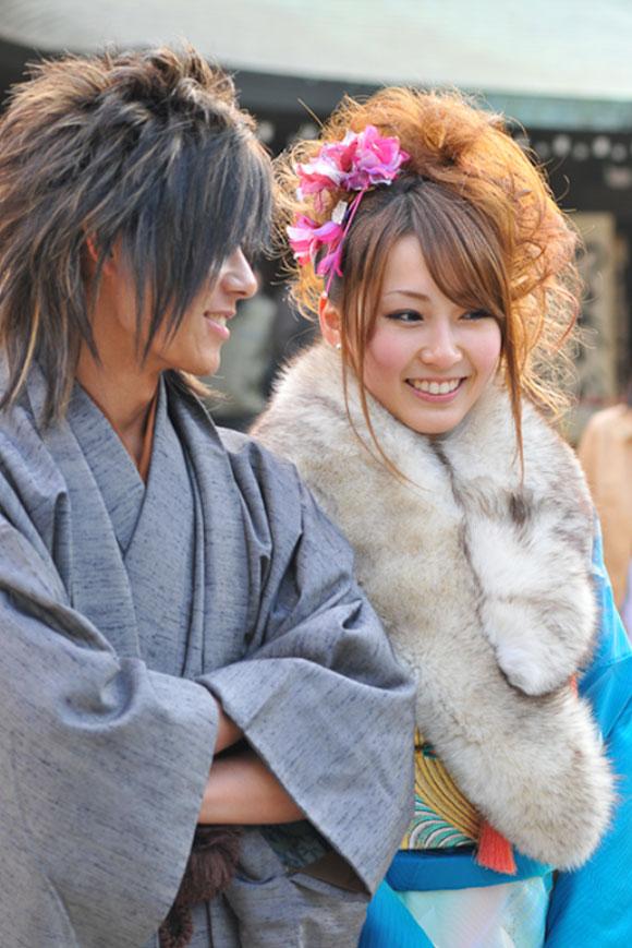 Meiji Jingu, Tokyo, giovane coppia in kimono / Meiji Jingu, Tokyo, young couple wearing kimono