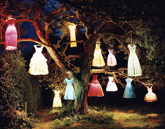 Tim Walker - The Dress Lamp Tree / Albero di vestiti lampada