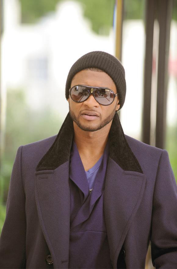 Usher Hey Daddy (Daddy's Home), wearing Carrera Endurance