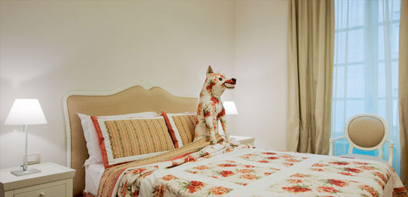 Maison Moschino Hotel - Cappuccetto Rosso / Red Riding Hood