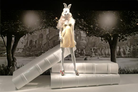 Alice au Printemps des Merveilles - Christopher Kane and Nicholas Kirkwood shopping window / vetrina
