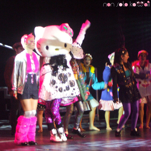 Selene Scarpolini &amp; Hello Kitty - Hello Kitty the Show