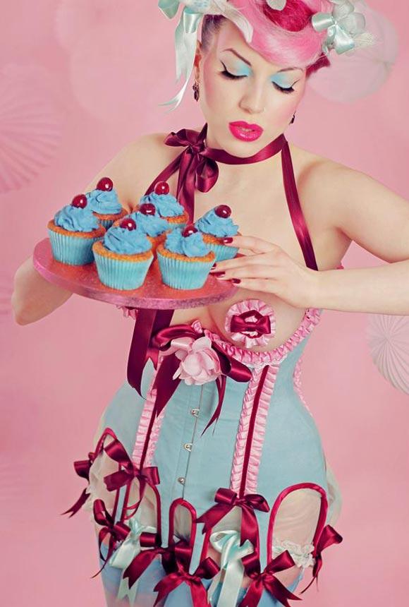 © Maya Hansen - Cherry Blue Corset, Photo Iberian Black Arts