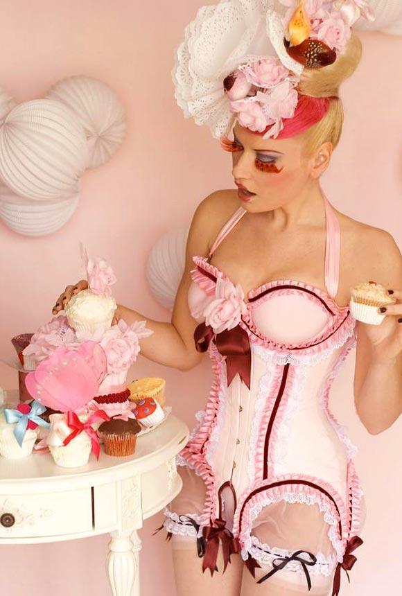 © Maya Hansen - Milkshake Cupcake Corset, Photo Chema Anton