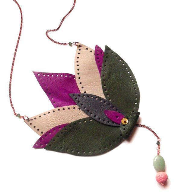 Giulia Boccafogli - Leaves, Eurasia necklace, collana con foglie di pelle
