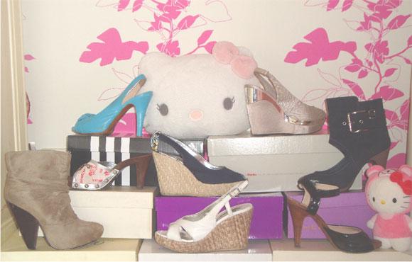 Hachi Cupcake's shoes