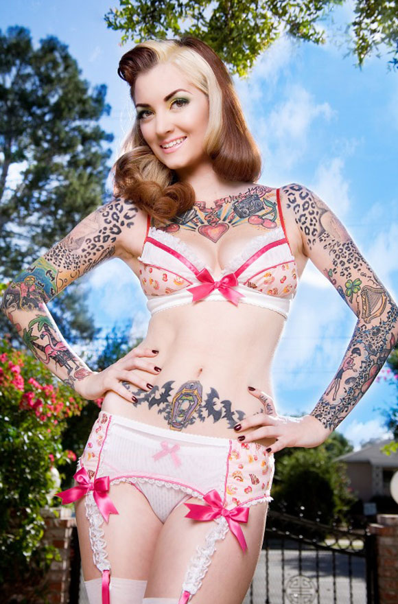 Purrfect Pineapples: Light Pink Delish Cakes, Model: Cherry Dollface, Photo by Ama Lea