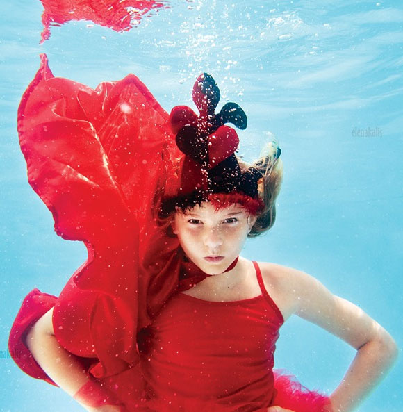 Elena Kalis - Alice in WaterLand - Alice in WonderWater - Queen of Hearts