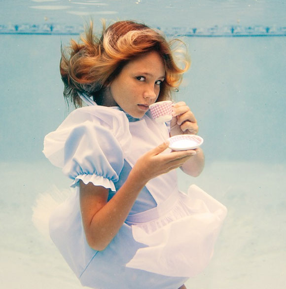 Elena Kalis - Alice in WaterLand - Alice in WonderWater - High Tea