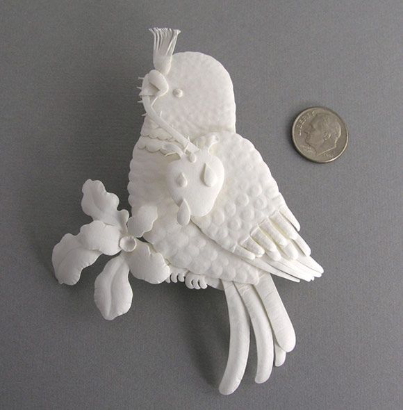 Elsa Mora - Paper Sculptures and Papercuts, Bird With Heart, uccello con un cuore