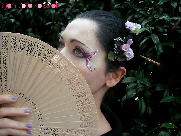 Geisha Madama Butterfly swatch and make-up by non solo Kawaii, Make-up Kawaii Japan by Neve Cosmetics