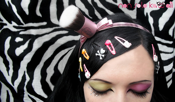 Harajuku Girl swatch and make-up by non solo Kawaii, Kawaii Japan by Neve Cosmetics