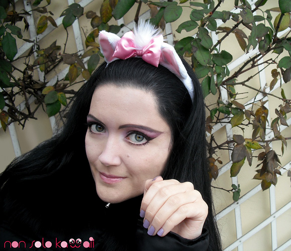 cat girl kawaii cute, ragazza gatto con Dragon e Wasabi di Neve Cosmetics