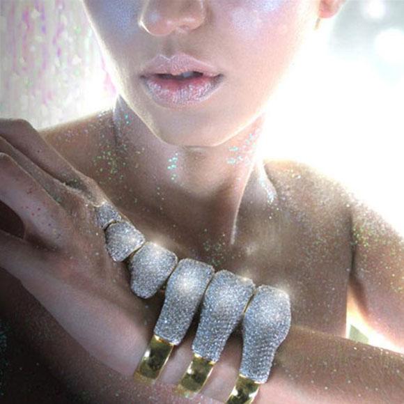 Noir Jewelry - Dinosaur Bones Pave Cuff Bracelet - Bracciale Polsiera Ossa di Dinosauro - Swarovski