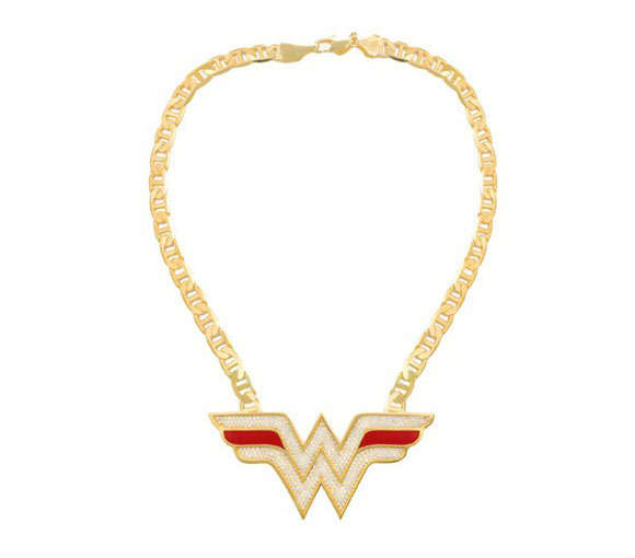Noir Jewelry - Wonder Woman Logo Necklace - Wonder Woman Collana, Orecchini a Cerchio e Anello  - Swarovski