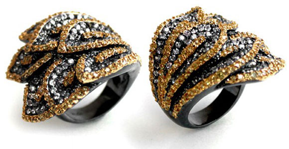 Noir Jewelry - Fold Over Leaves Pave Ring - Anello con Foglie - Swarovski