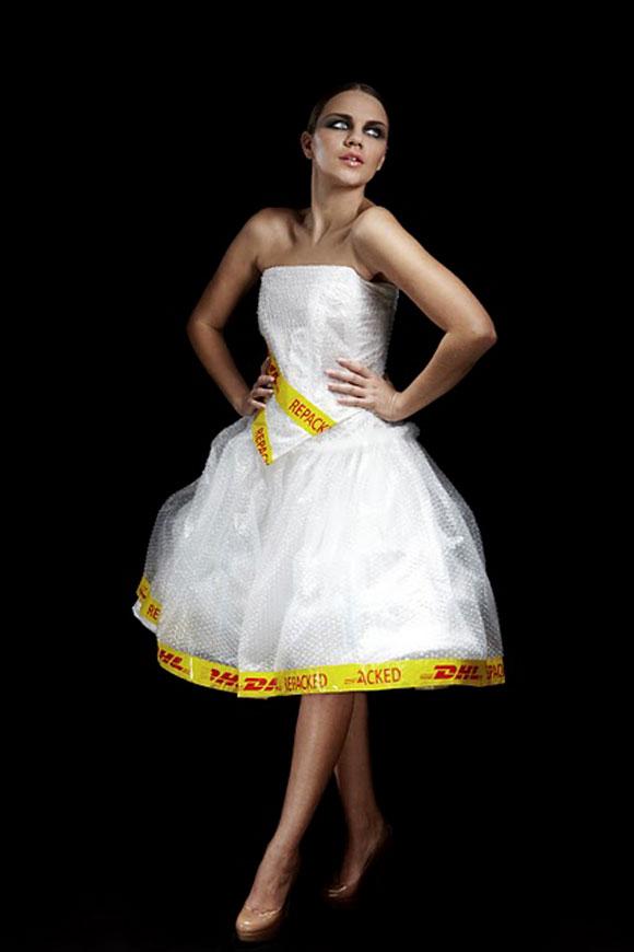 Marcus Clackson - photoshoot for DHL fashion lifestyle work, fashion and recycle, moda e reciclo