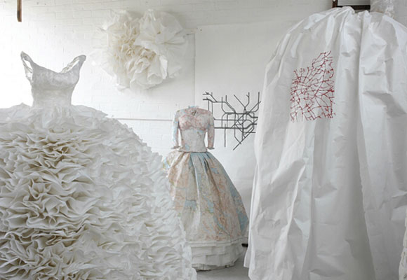 Susan Stockwell, Frill, 2009, Highland Dress, 2010, fashion and recycle paper and maps, moda e reciclo carta e mappe