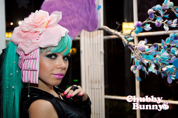Kerli with Chubby Bunny Rosy Garden Lolita Headpiece