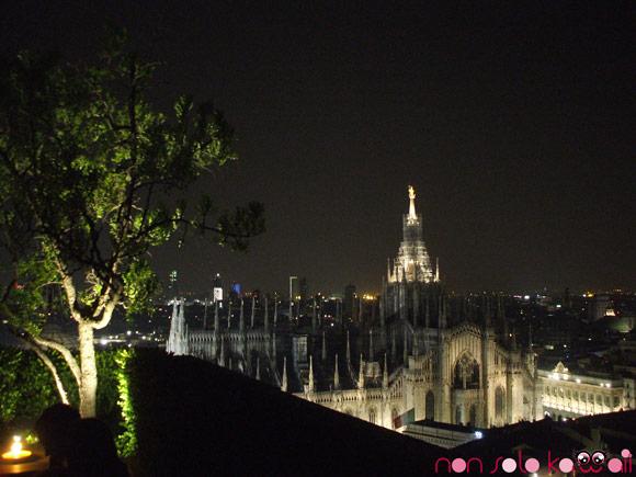 il duomo di Milano visto da Terrazza Martini di notte