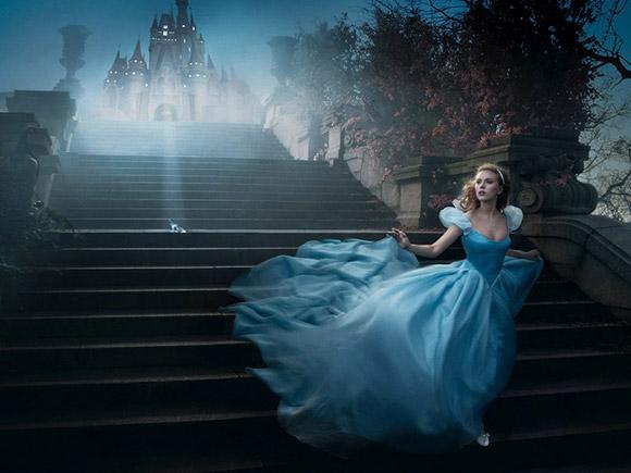 Annie Leibovitz for Disney: Scarlett Johansson as Cinderella / Annie Leibovitz per Disney: Scarlett Johansson è Cenerentola