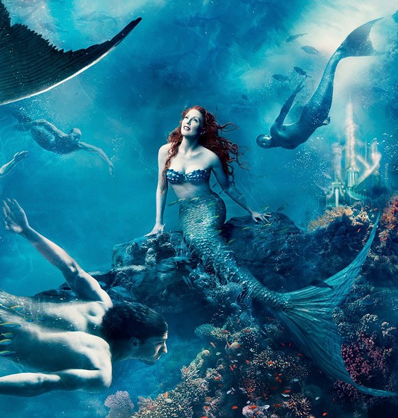 Annie Leibovitz for Disney: Julienne Moore and Michael Phelps as Ariel and a mermaid from The Little Mermaid / Annie Leibovitz per Disney: Julienne Moore e Michael Phelps sono Ariel e un sirenetto da La Sirenetta