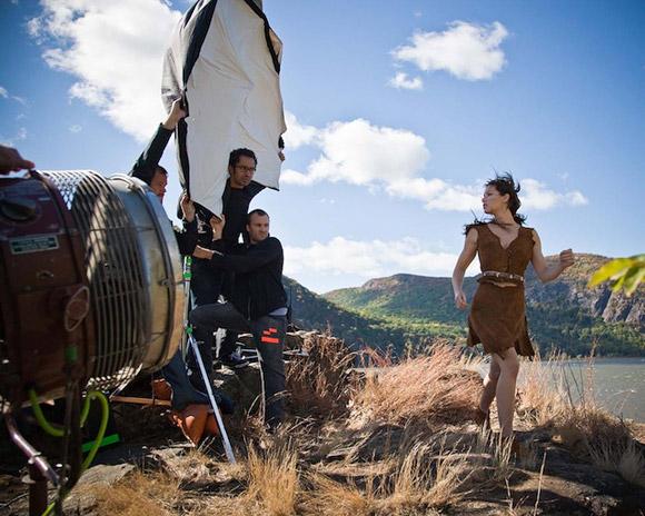 Annie Leibovitz for Disney (Behind the Scene): Jessica Biel as Pocahontas / Annie Leibovitz per Disney (Dietro le Quinte): Jessica Biel è Pocahontas