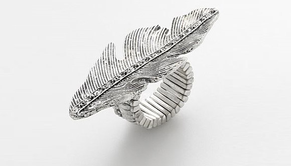 Mudd Silver Tone Simulated Crystal Feather Stretch Ring, anello ala