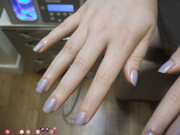 manicure with grey grigio Harley Zoya