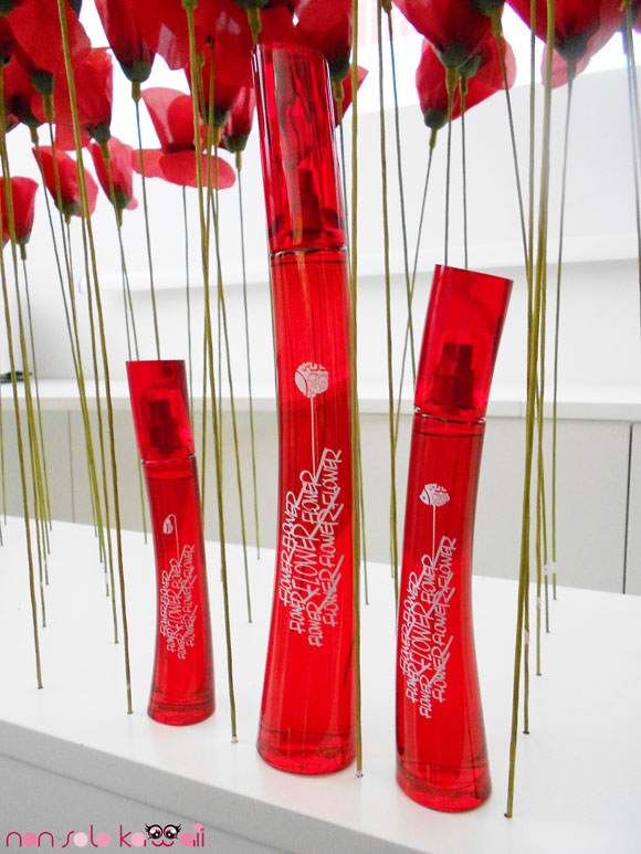 Flower TAG by Kenzo, red packaging, profumo dalla confezione rossa