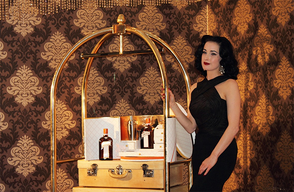 Dita Von Teese, My Cointreau Travel Essential Party, Milano