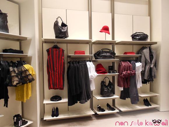 collezione autunno inverno 2011 nel negozio Sisley Milano