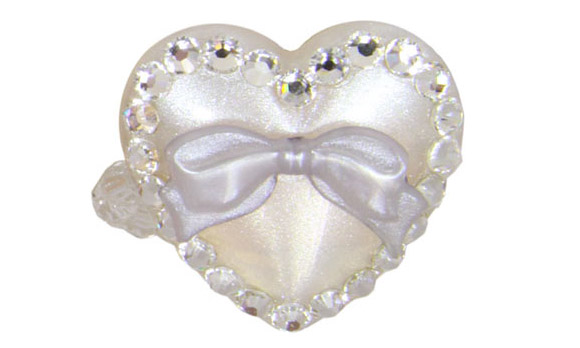 kawaii cute cat look: Tarina Tarantino Puff Heart Stretch Ring white, anello a cuore con fiocco bianco