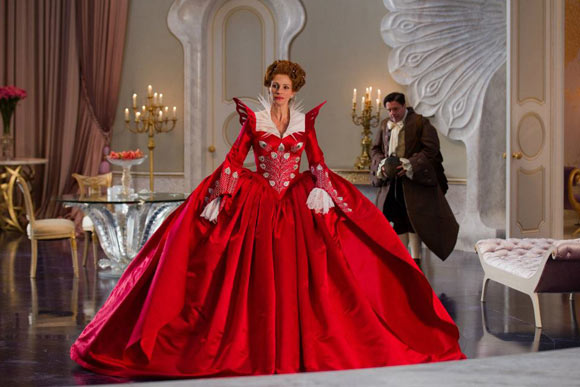 Snow White movie Mirror Mirror, Evil Queen Julia Roberts red dress