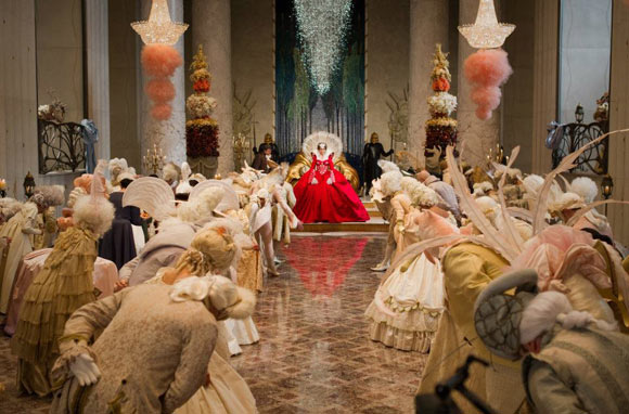 Snow White movie Mirror Mirror, Evil Queen Julia Roberts, la regina cattiva del film biancaneve