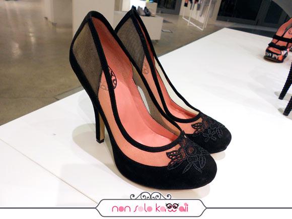 Nuova Collezione Fornarina Primavera Estate 2012 con scarpe con pizzo romantico