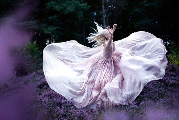 Kirsty Mitchell - Wonderland While Nightingales wept