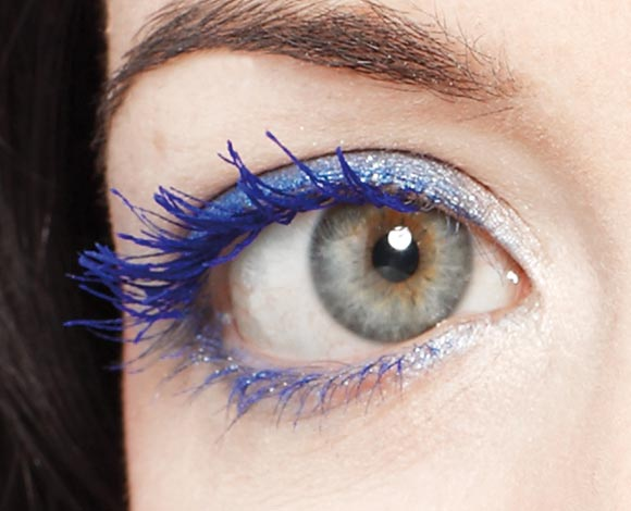 Angela wears mascara Pupa Vamp! Electric Blue, swatch