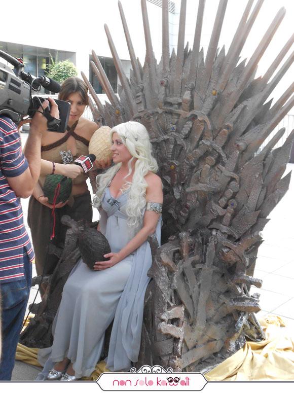 Daenerys Targaryen cosplayer, Trono di Spade, Sky