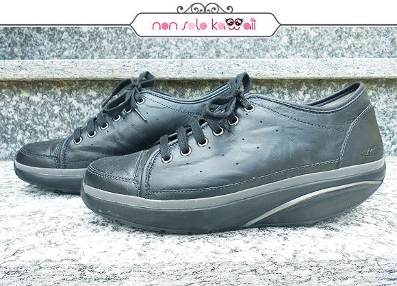 shoes Nafasi Black MBT scarpe fisiologiche con suola curva