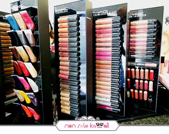 negozio MAC Cosmetics M·A·C Pro Store Milano, lipgloss, pro longwear, cremesheen glass