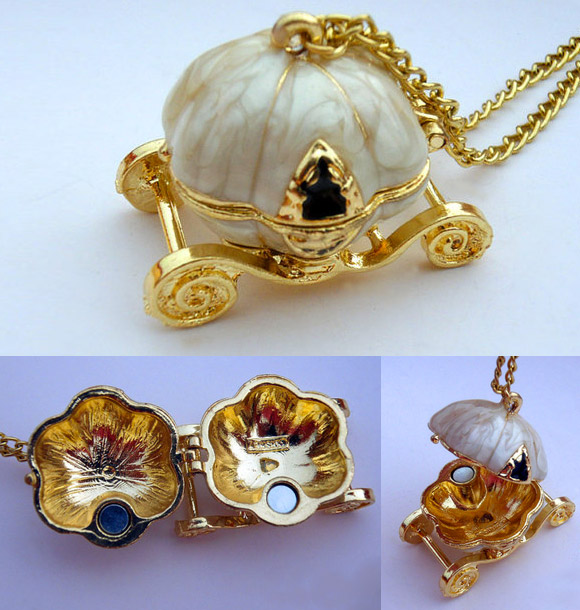 Gelivable Gift  - Cinderella's Pumpkin Carriage Necklace / Collana con Pendente Carrozza Zucca di Cenerentola