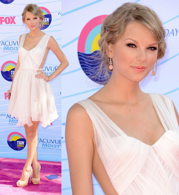 Taylor Swift at Teen Choice Awards 2012